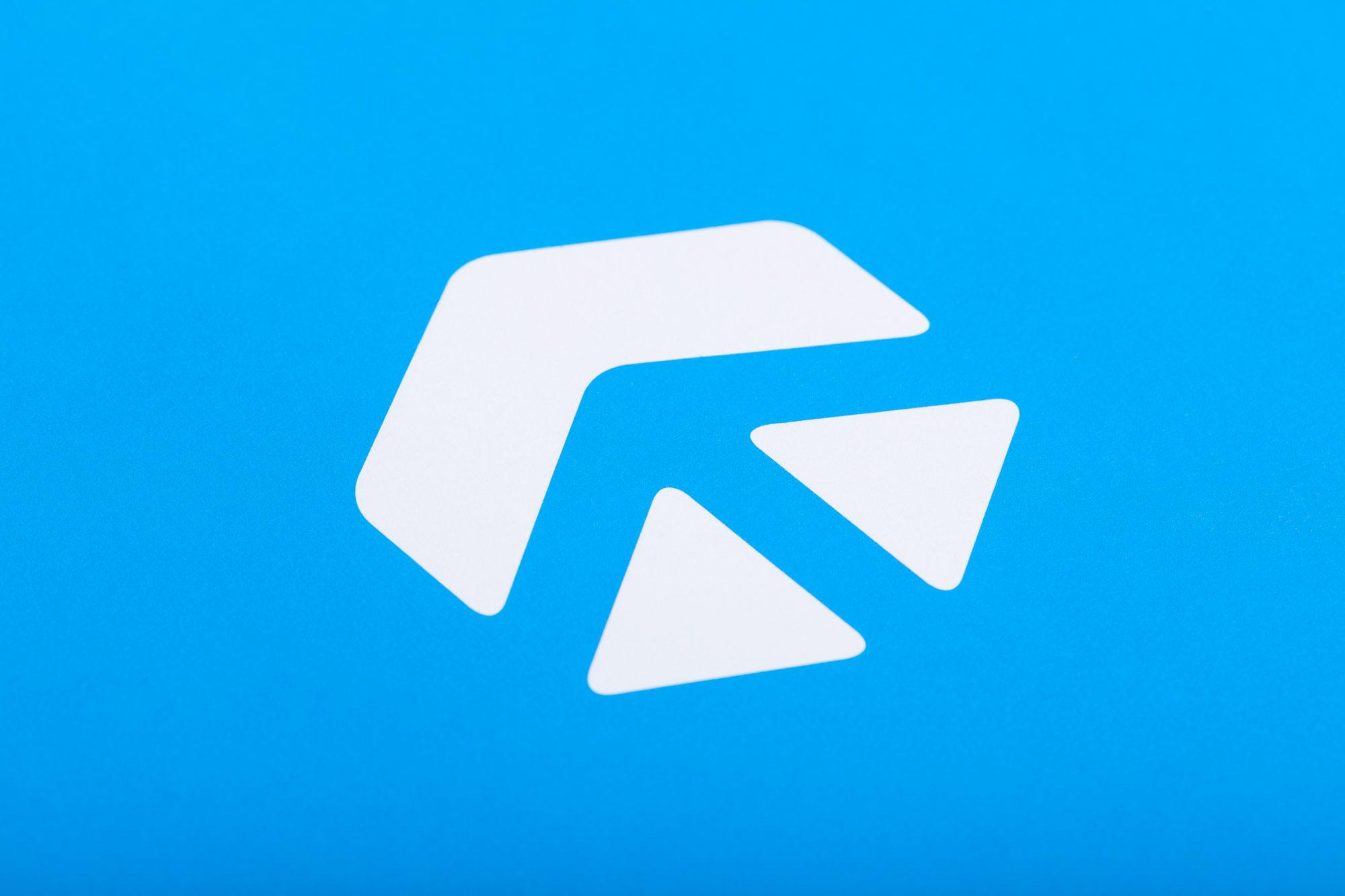 Das neue Corporate Design der Fliegner Service GmbH wurde von 75a gestaltet