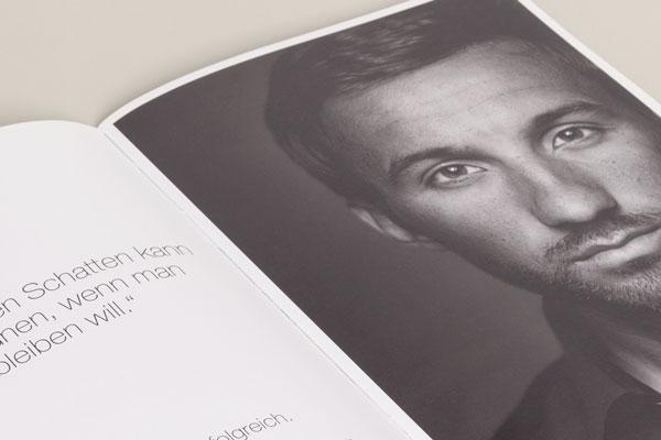 """Für das MTB-Rennteam fumic brothers international gestaltet 75a aus Stuttgart die """"Projekt Olympia 2012""""-Broschüre"""