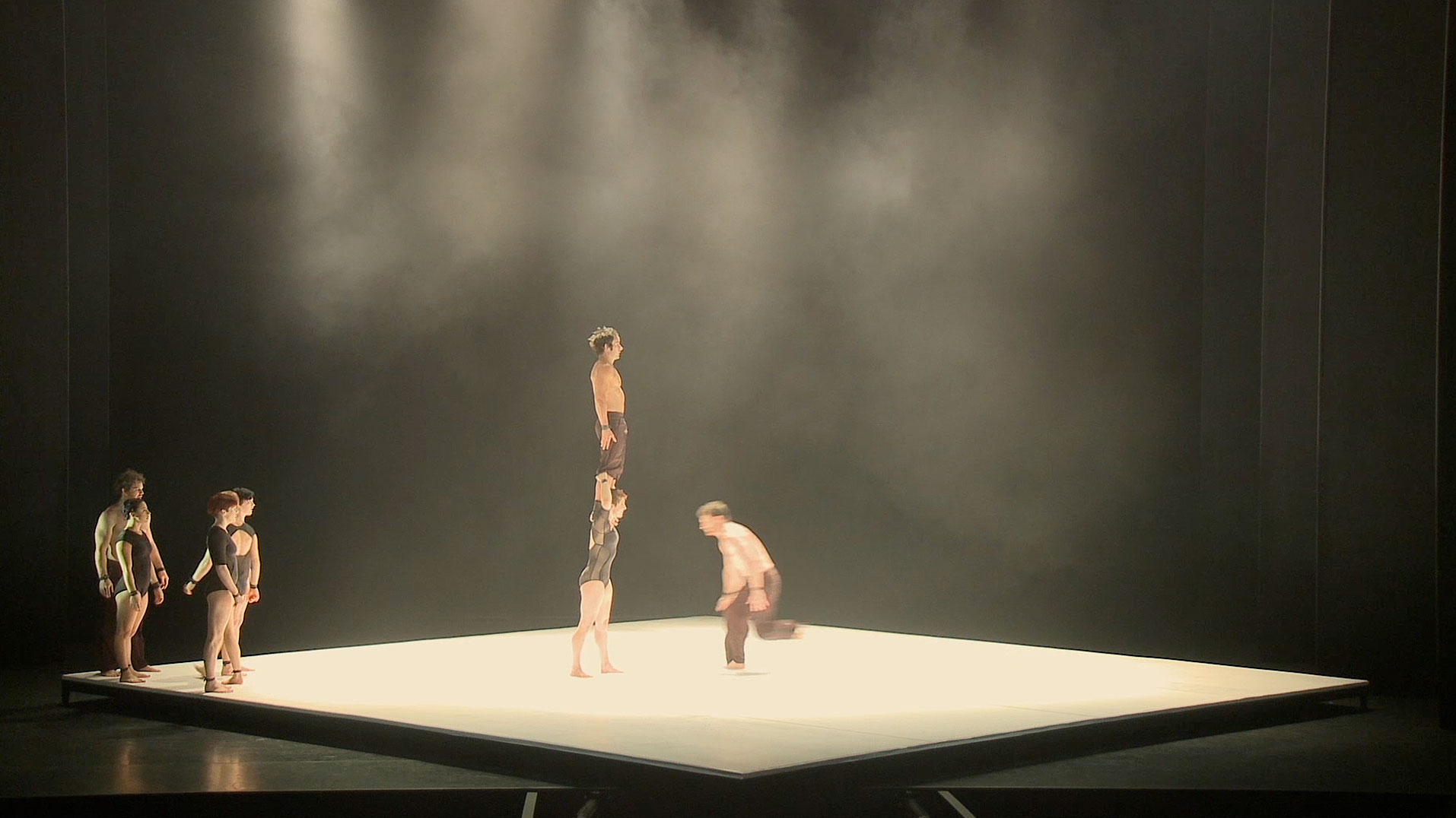 75a aus Stuttgart schneidet den Company-Trailer für das Colours International Dance Festival 2015 presented by Eric Gauthier